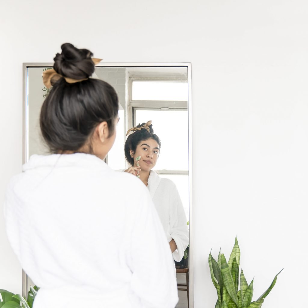 how long does dermaplaning last for?