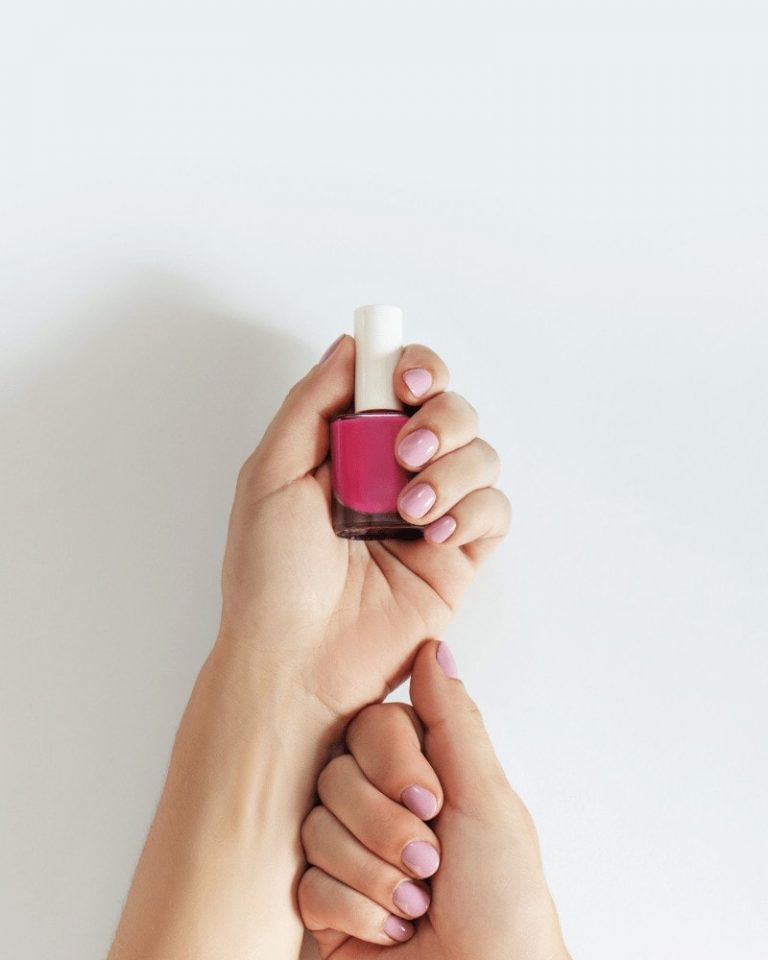 Valentine's Day Nail Ideas That Are Cute & Simple