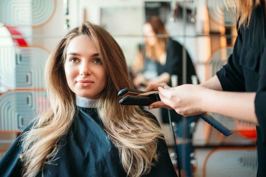 does purple shampoo lighten hair