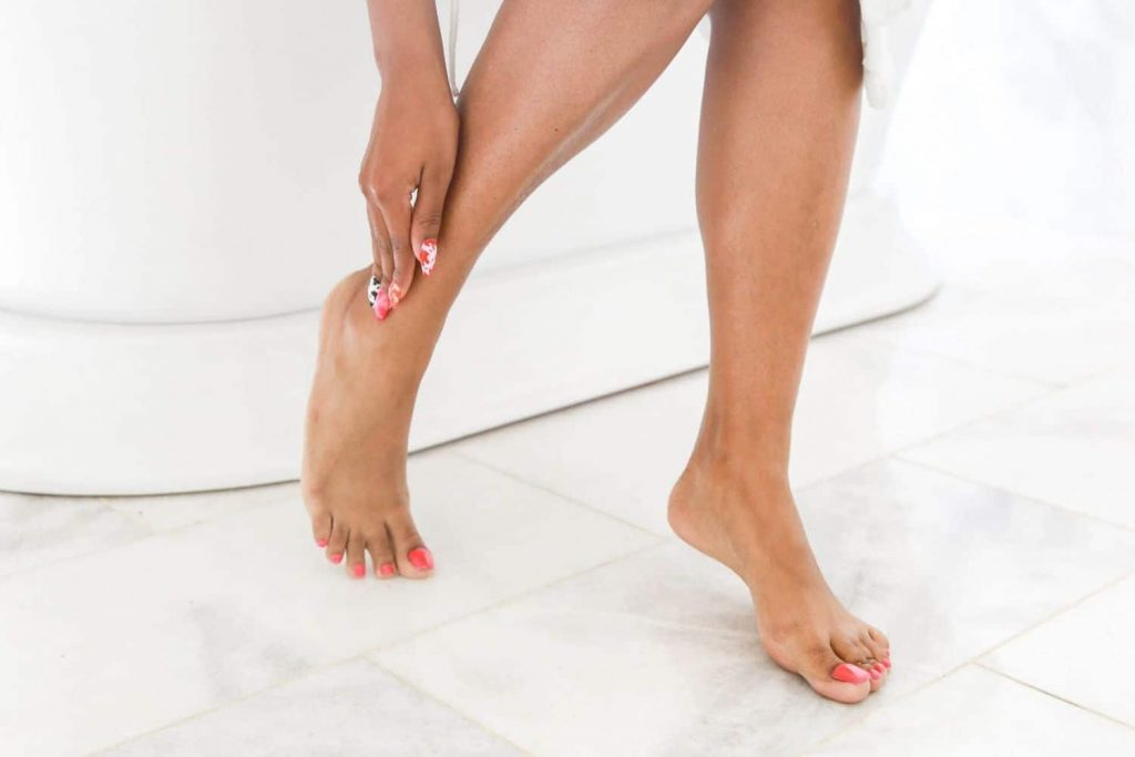 tips for applying sunless tanning lotion